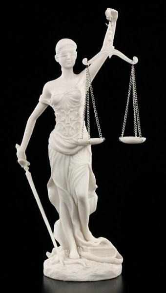 Justitia Figur weiß