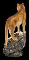 Puma Figur hält Ausschau