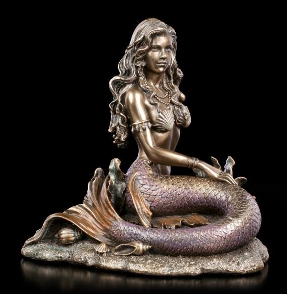 Meerjungfrauen Figur sitzt am Meeresgrund - bronziert