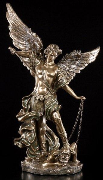 Erzengel Michael Statue