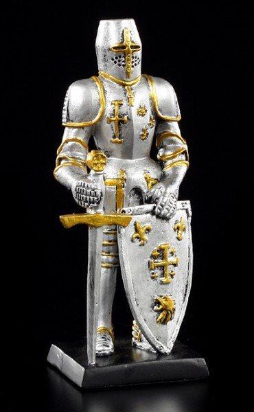 Ritter mit Schwert und Schild II