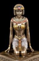 Kleine Ägyptische Schatulle mit Dienerin