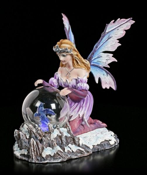 Elfen Figur LED - Summona mit Drache in Glaskugel