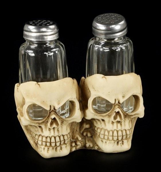 Salz- und Pfefferstreuer mit Totenkopfhalter