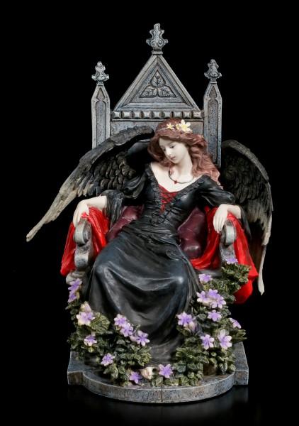 Gothic Engel Figur auf Thron