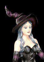 Witch Figurine - Aradia conjures Spells