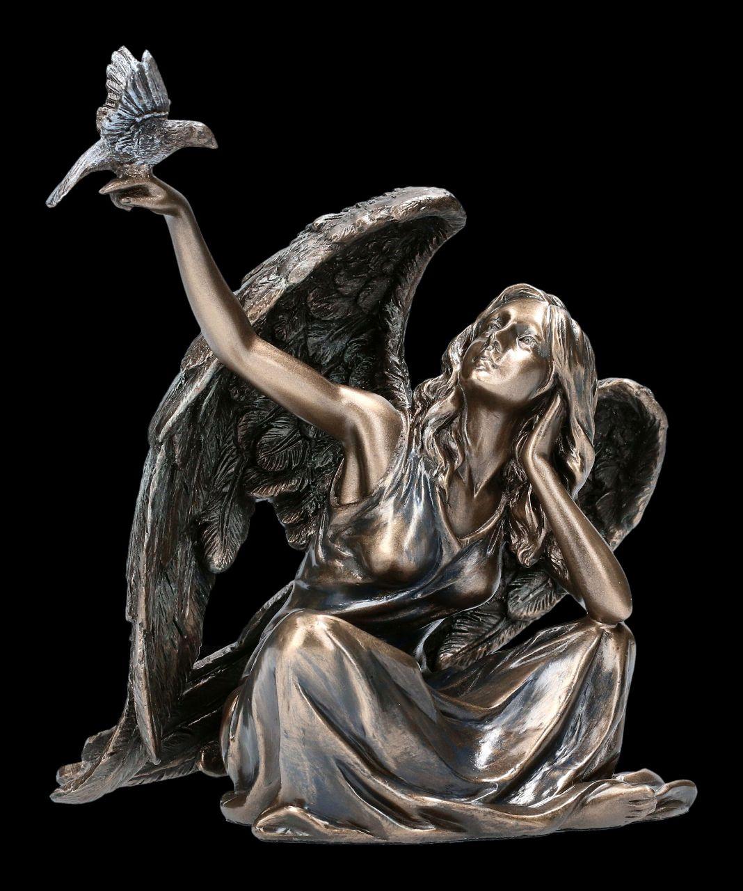 Engel Figur mit Taube