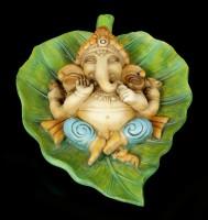 Ganesha Figur auf Buddhabaum Blatt
