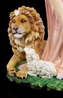Guardian Angel Figurine - Nimueh with Lion and Lamb