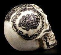 Totenkopf mit keltischen Symbolen