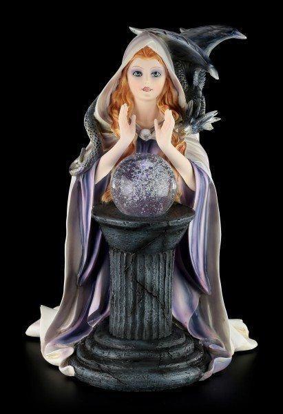 Weiße Hexen Figur mit Drachen - LED