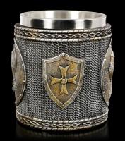 Mittelalter Krug - Ritterhelm auf Schild