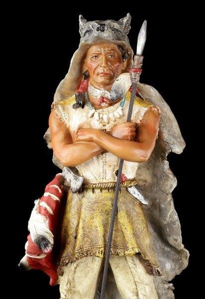 Indianer Figur - Mit Speer und Wolfspelz