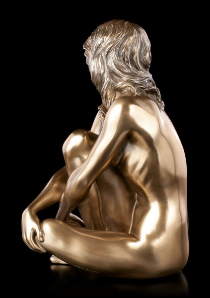 Female Nude Figurine - Sitting with Look to the Ground