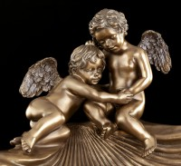 Bowl Patera with Angels sitting on Shell