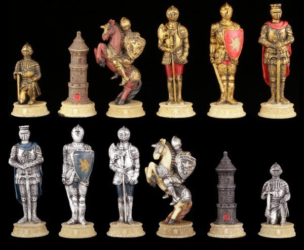 Chessmen Set - Knights Gold and Silver