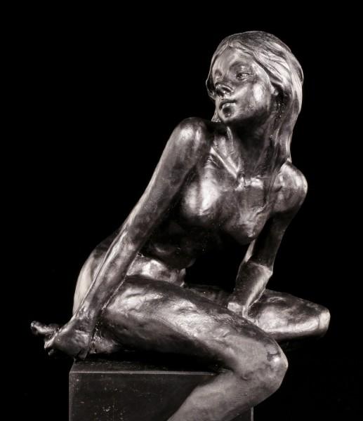 Akt Figur - Frau in Schwarz