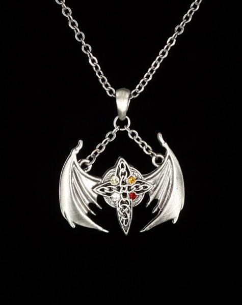 Halskette - Keltisches Kreuz mit Flügeln