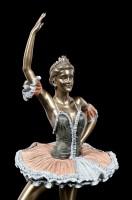 Ballet Dancer Figurine - Retiré Devant