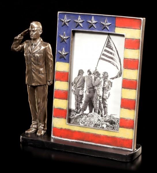 Bilderrahmen - Salutierender US Air Force Soldat
