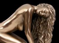 Female Nude Figurine - Suggestion