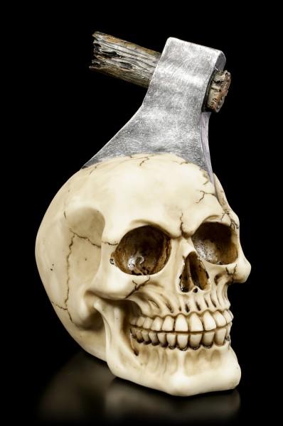 Totenkopf mit Axt im Kopf - Schädelspalter