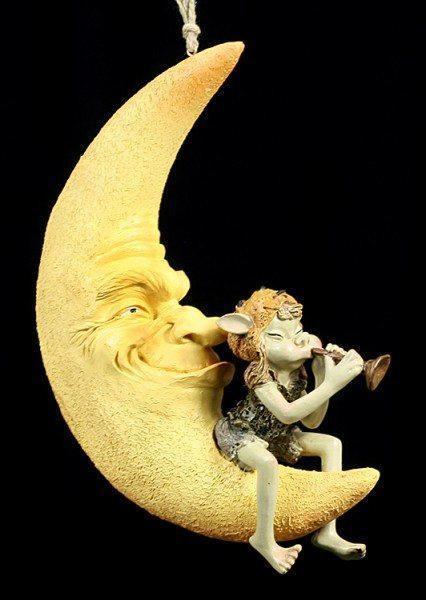 Pixie Figur auf Mond
