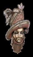 Venezianische Maske mit Hut und Federn