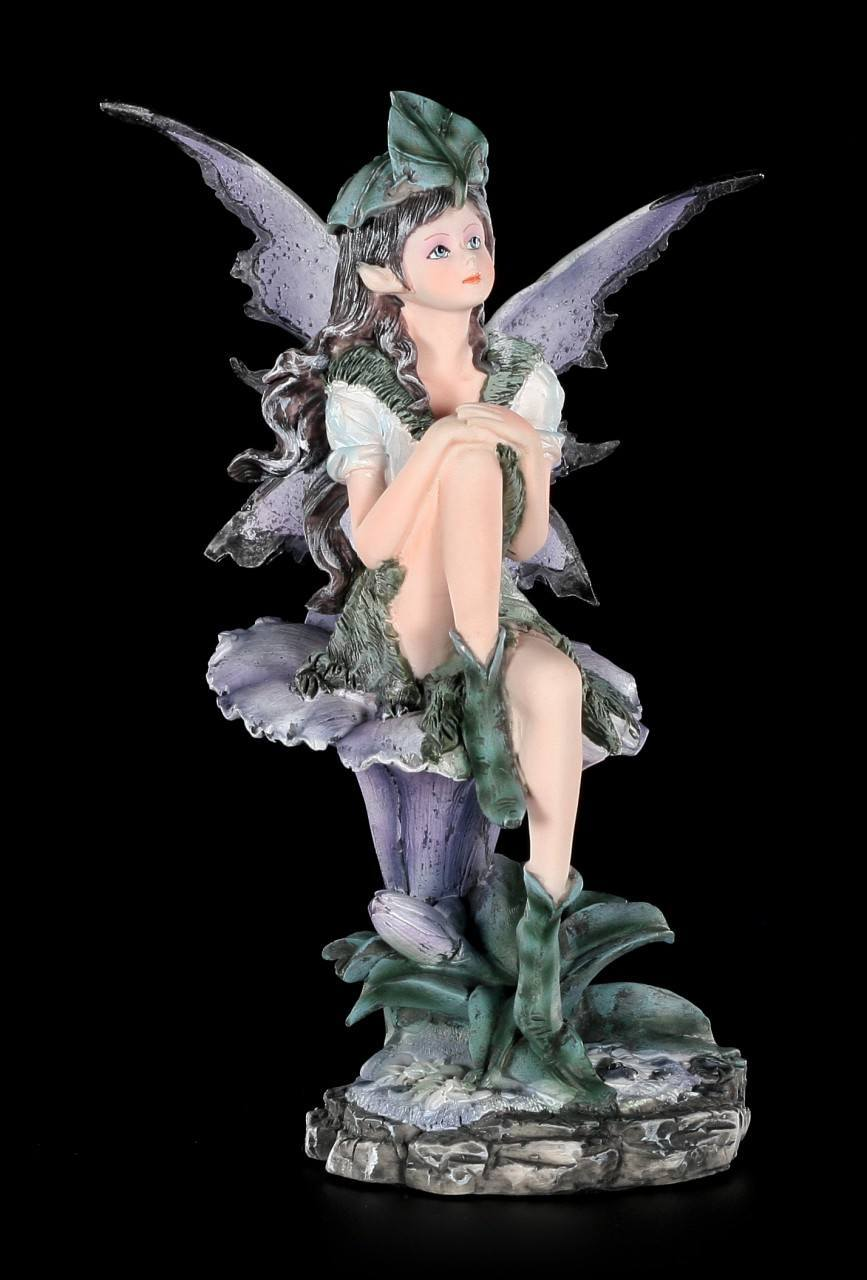 Lila Elfen Figur - Alari sitzend auf Blüte
