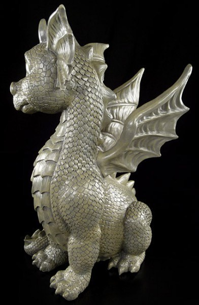 Outdoor Statue - Dragon sitting