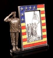 Bilderrahmen - Salutierender US Army Soldat