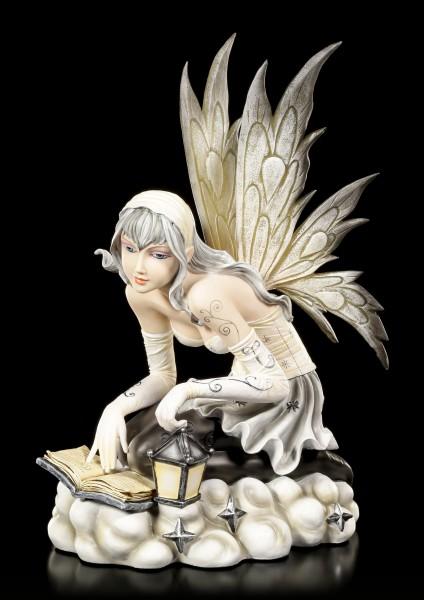 Elfen Figur - Aniya mit Laterne über Zauberbuch