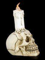 Totenkopf mit LED-Kerze