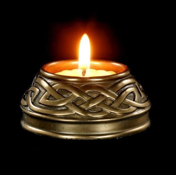 Keltischer Teelichthalter - bronziert