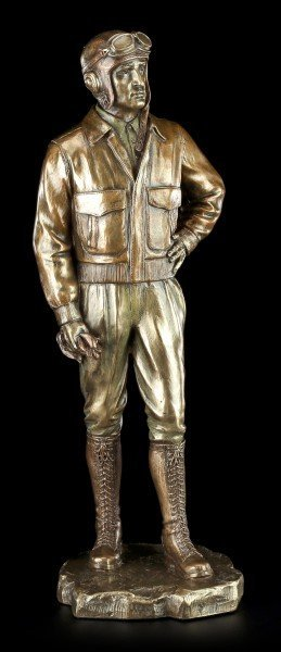 Pilot Figurine from World War 2 with Cap