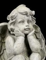 Engel Gartenfigur - Junge schaut verträumt