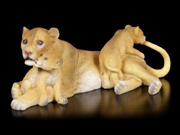 Gartenfigur - Löwin mit Jungtieren