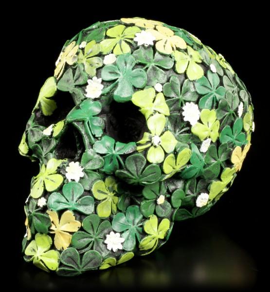 Glücks Schädel mit Kleeblättern