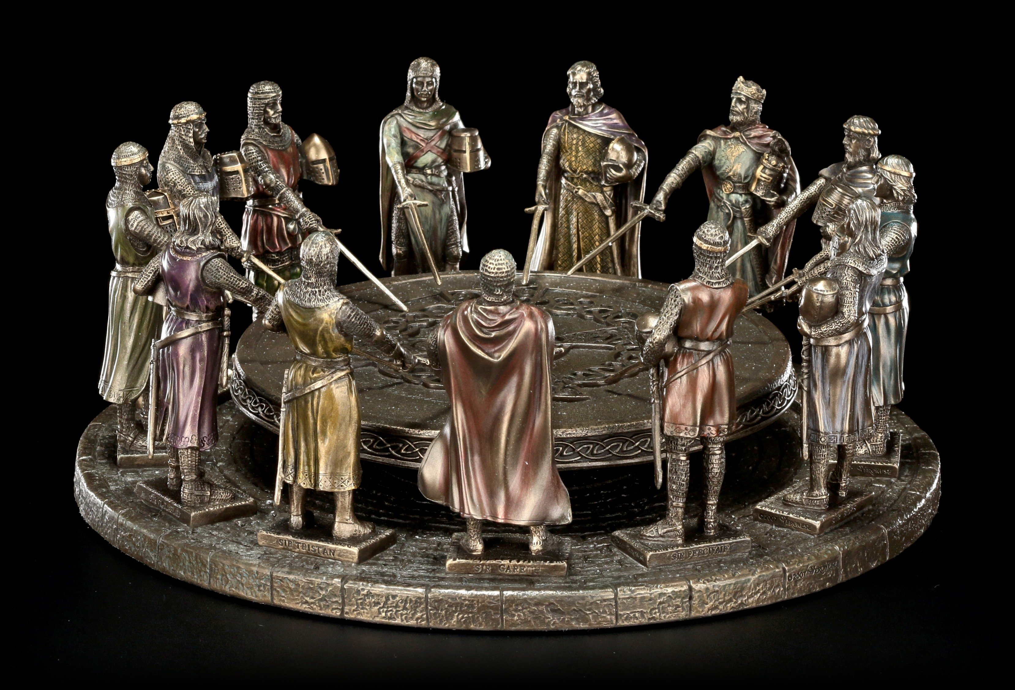 12 Knights Of The Round Table.Round Table King Arthur With 12 Knights