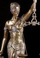 In- & Outdoor - Justitia Statue