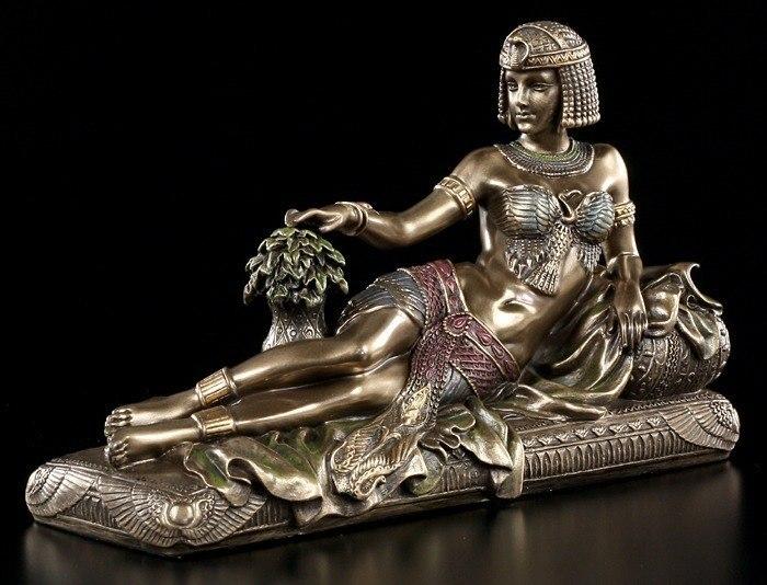 Cleopatra Figurine Egyptian Pharaoh Decadence Egypt  : 41050cleopatra from www.ebay.co.uk size 700 x 534 jpeg 75kB