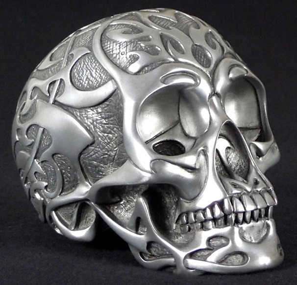 tribal skull medium silber deko figur gothic totenkopf ebay. Black Bedroom Furniture Sets. Home Design Ideas